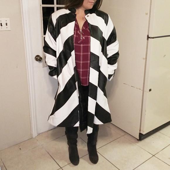 Vintage Jackets & Blazers - 🖤Luxury leather trench coat black & White